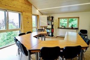 Seminarraum der Heilpraktikerschule May in Bedernau, in Bayern bei München