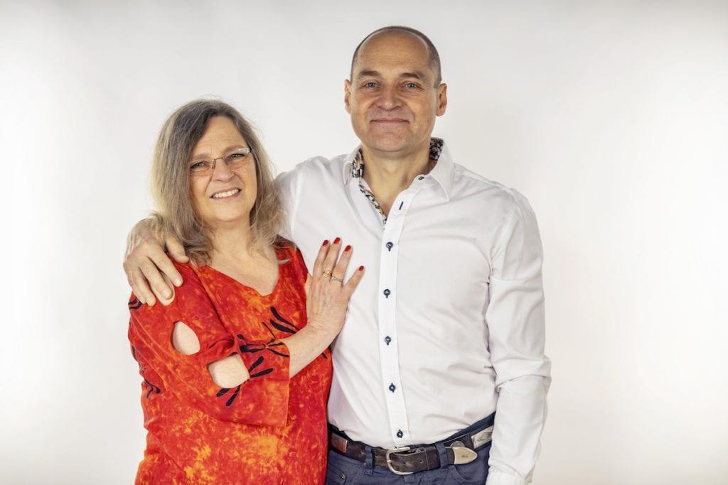Bonnie-Sue May & Robert May-Klein, Heilpraktiker und TherapeutenAusbildungsteam der Heilpraktikerschule May in Bedernau