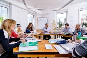 Ausbildung und Kurse für therapeutische Berufe und Heilpraktiker in Bayer