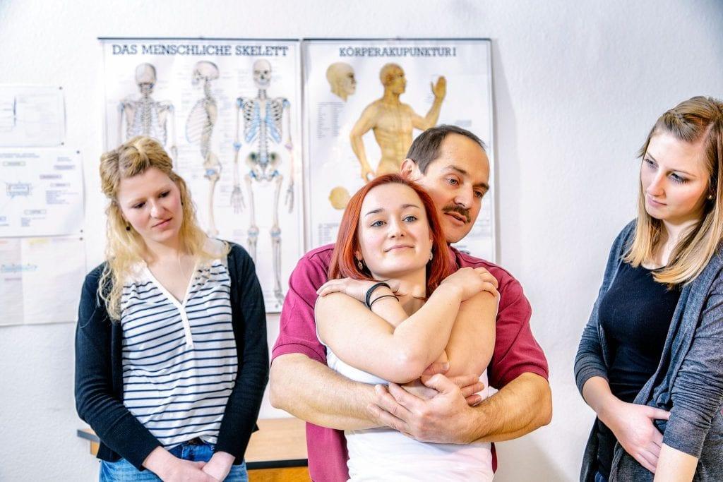 Osteopathie lernen - Kurse und Ausbildung von der Krankenkasse anerkannt